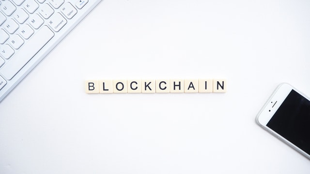 blockchain-blockchain-technology-business-2556699