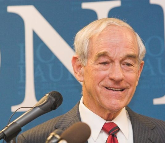 Ron Paul Pledges Allegiance to Bitcoin, Calls Crypto a 'Great Idea'
